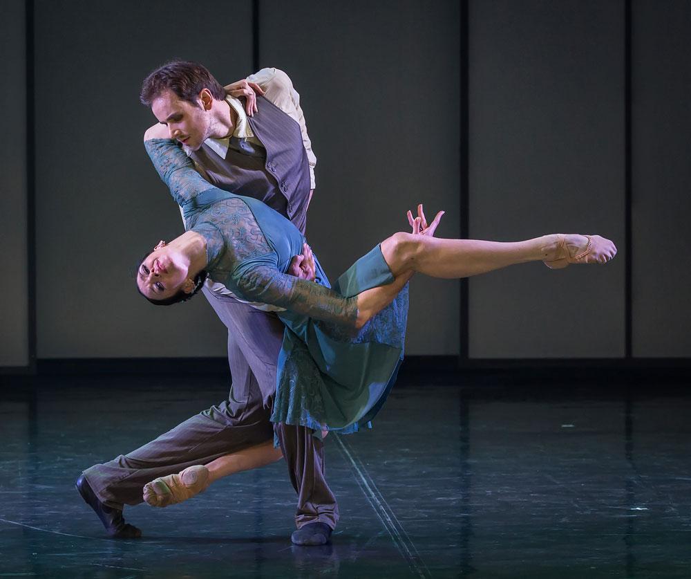 Eifman Ballet in <I>Up & Down</I>.<br />© Souheil Michael Khoury. (Click image for larger version)