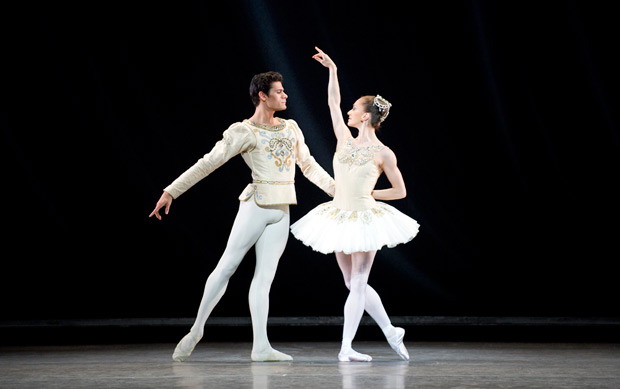 Marianela Nunez and Thiago Soares in <I>Diamonds</I>.<br />© ROH/Tristram Kenton, 2011. (Click image for larger version)