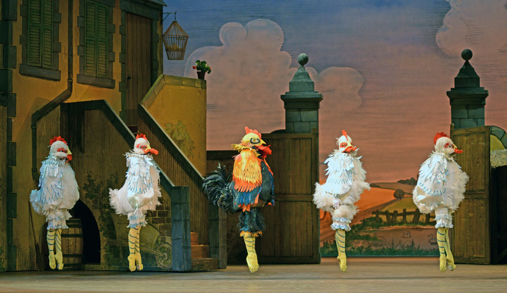 Gemma Pitchley-Gale, Leticia Stock, Michael Stojko, Meaghan Grace Hinkis and Francesca Hayward in La Fille mal gardée.© Dave Morgan, courtesy the Royal Opera House. (Click image for larger version)