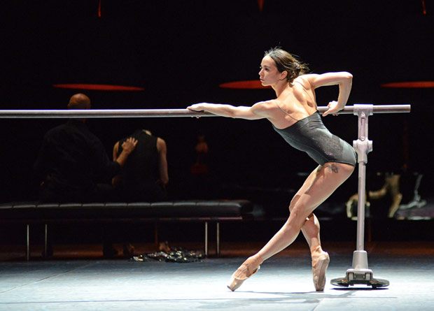 Diana Vishneva in Jean-Christophe Maillot's Switch.© Dave Morgan. (Click image for larger version)