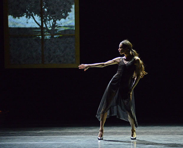 Diana Vishneva in Carolyn Carlson's <I>Woman in a Room</I>.<br />© Dave Morgan. (Click image for larger version)