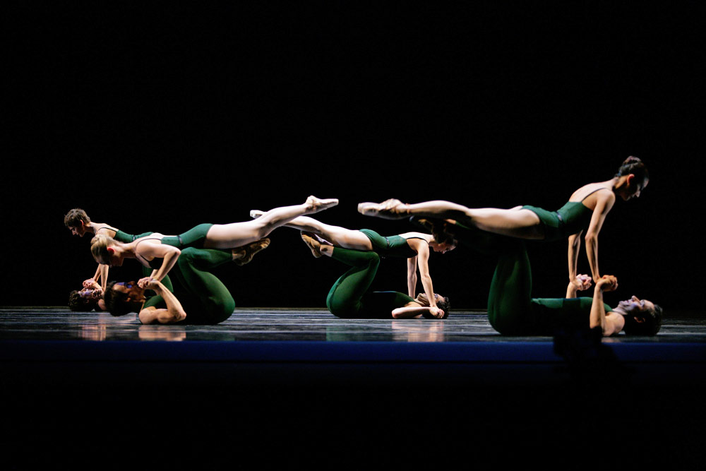 San Francisco Ballet in Wheeldon's Continuum.© Erik Tomasson. (Click image for larger version)