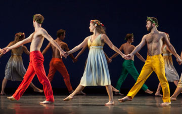 Mark Morris Dance Group in Spring, Spring, Spring.© Ken Friedman. (Click image for larger version)