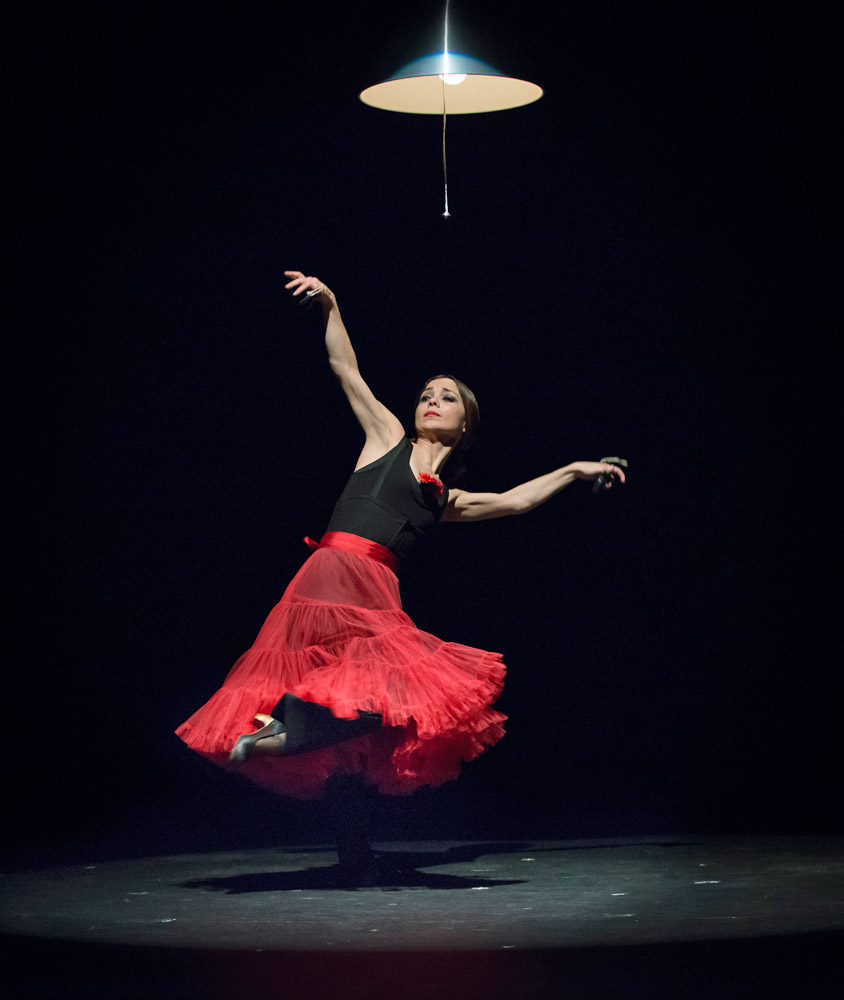 Olga Pericet in Flamenco Sin Título.© Michael Palma. (Click image for larger version)