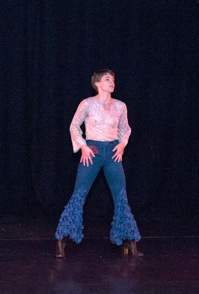 Miranda Wheen in <I>Generation Gap</I>, Mirramu Dance Company, 2015. From the Australian Dance Company repertoire of 1968.<br />© Barbie Robinson. (Click image for larger version)