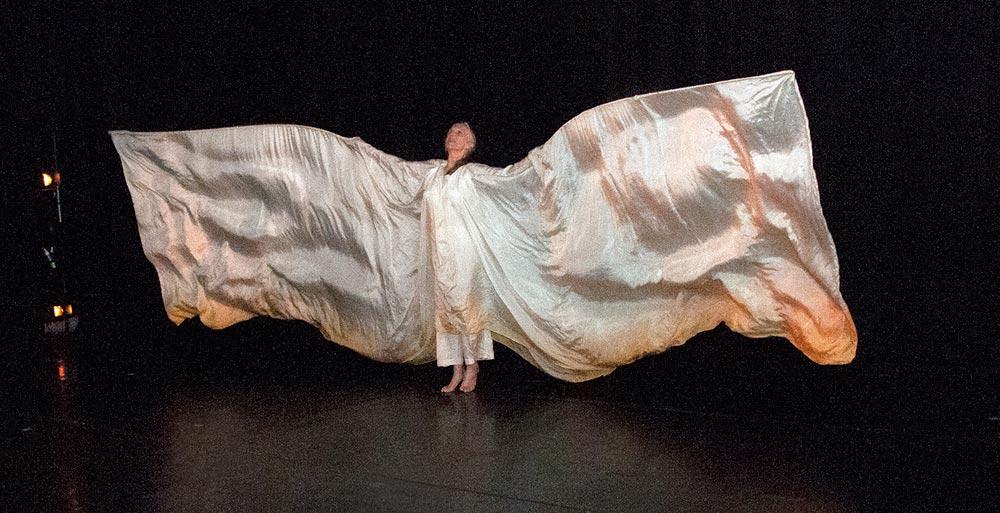 Elizabeth Dalman as the silk moth in <I>Silk</I>, Mirramu Dance Company, 2015.<br />© Barbie Robinson. (Click image for larger version)