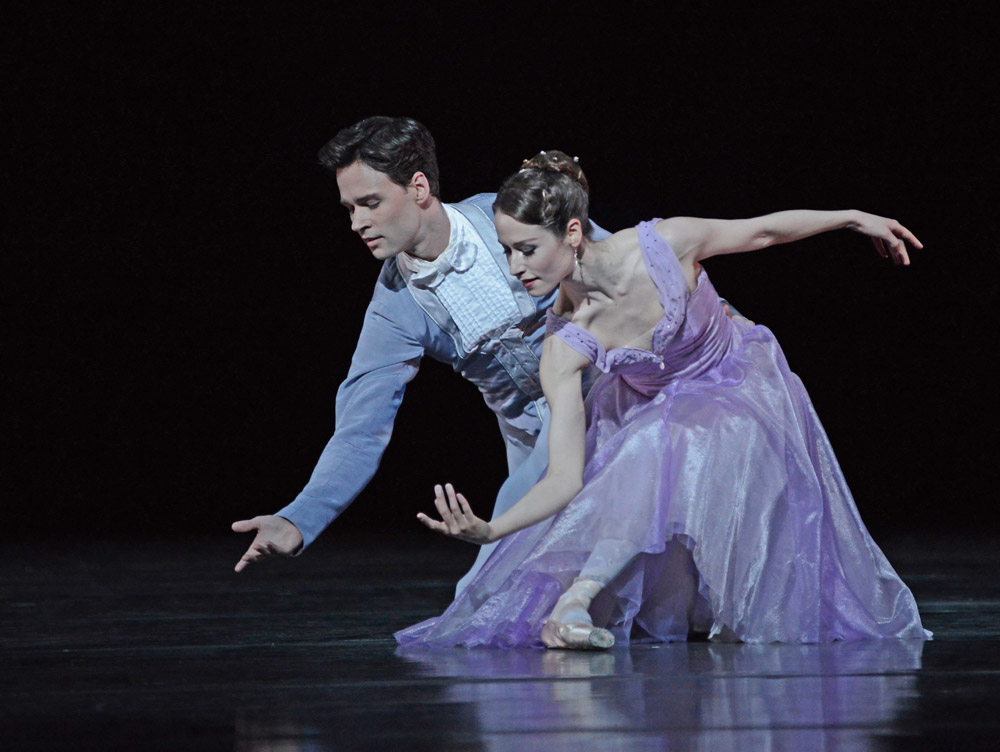 Emma Maguire and Alexander Campbell in Jerome Robbins' In the Night.© Dave Morgan, courtesy the Royal Opera House. (Click image for larger version)