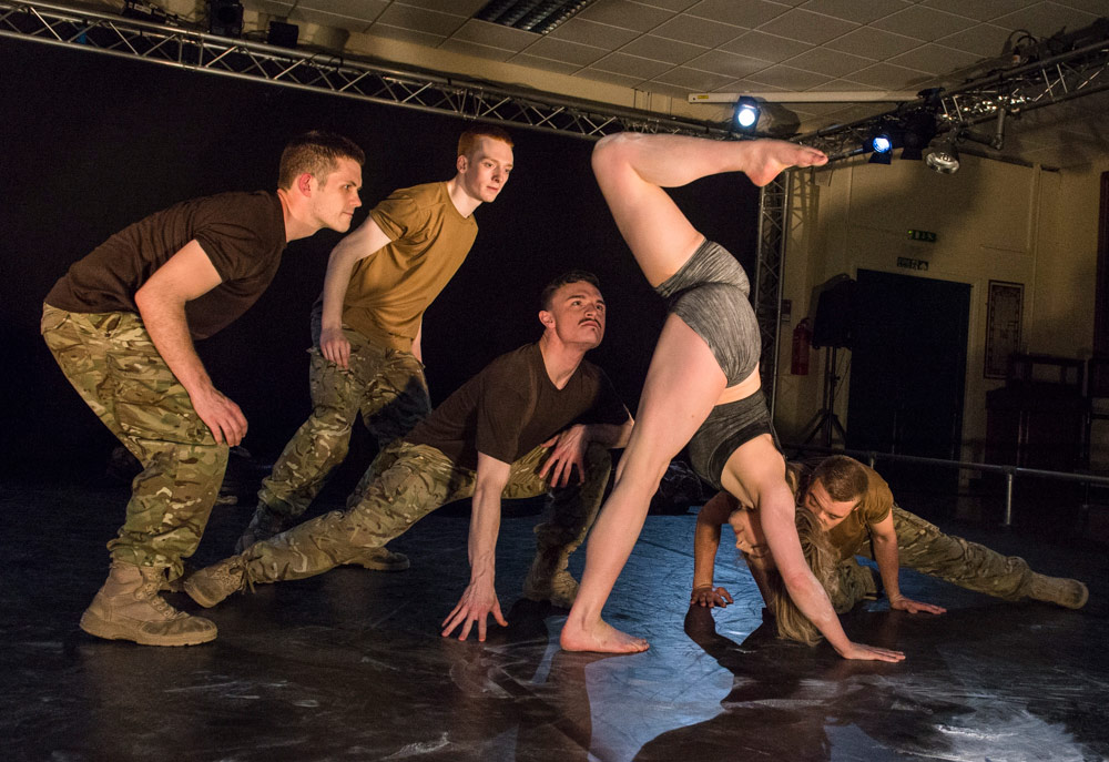 Shelley Eva Haden and the company in 5 Soldiers.© Foteini Christofilopoulou. (Click image for larger version)