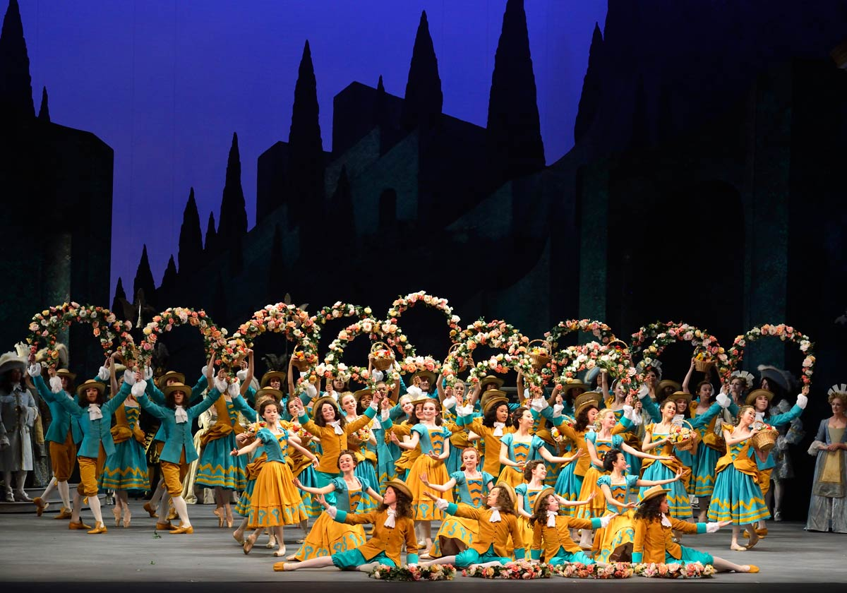 Garland dance in Alexei Ratmansky's The Sleeping Beauty.© Gene Schiavone. (Click image for larger version)
