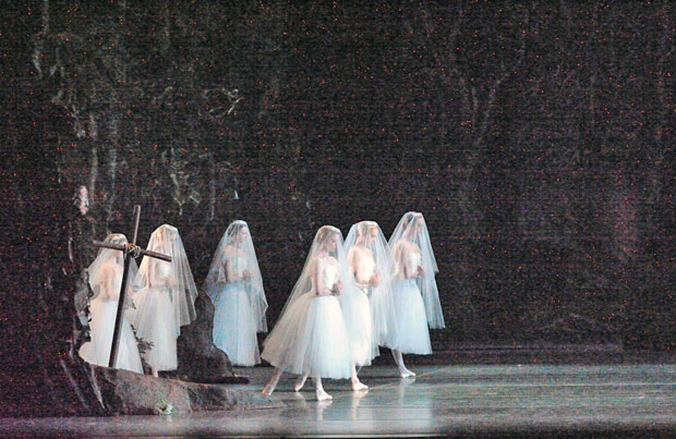 American Ballet Theatre in <I>Giselle</I>.<br />© Gene Schiavone. (Click image for larger version)
