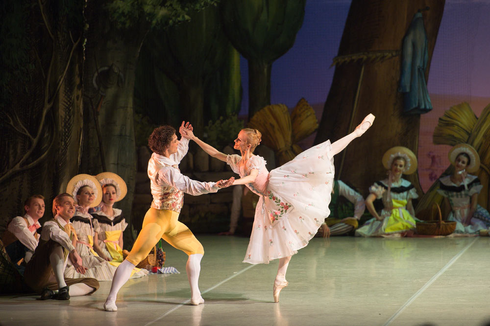 Anna Kuligina and Ivan Vasiliev in <I>La Fille mal gardée</I>.<br />© Nikolai Krusser. (Click image for larger version)