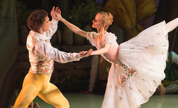 Anna Kuligina and Ivan Vasiliev in <I>La Fille mal gardée</I>.<br />© Nikolai Krusser. (Click image for larger version)