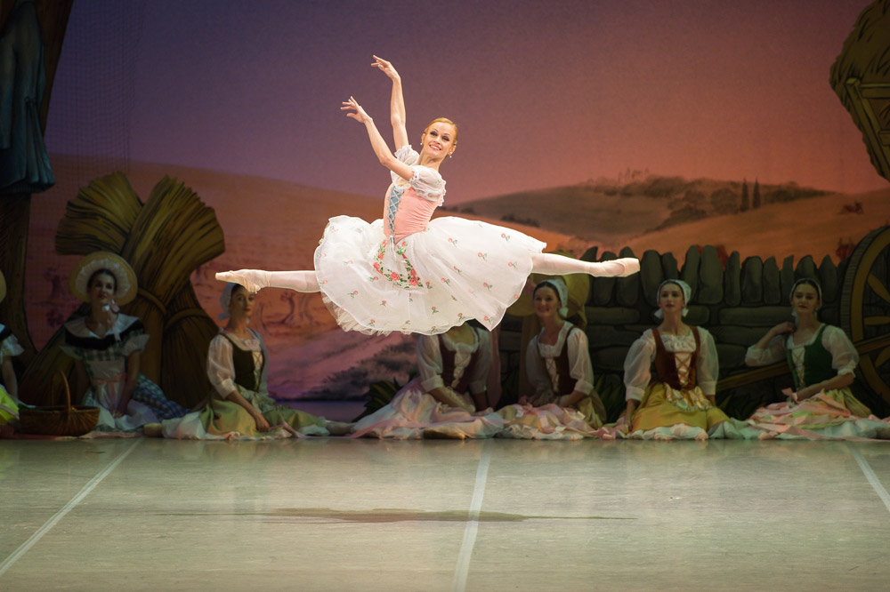 Anna Kuligina in <I>La Fille mal gardée</I>.<br />© Nikolai Krusser. (Click image for larger version)
