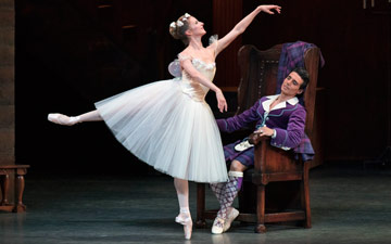 Sterling Hyltin and Joaquin de Luz in La Sylphide.© Paul Kolnik. (Click image for larger version)