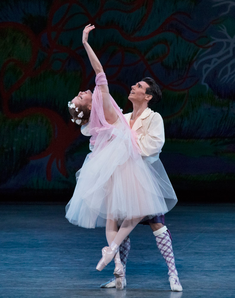Sterling Hyltin and Joaquin de Luz in <I>La Sylphide</I>.<br />© Paul Kolnik. (Click image for larger version)