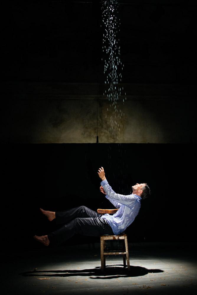 Ben Duke in <I>Paradise Lost (lies unopened beside me)</I>.<br />© Zoe Manders. (Click image for larger version)