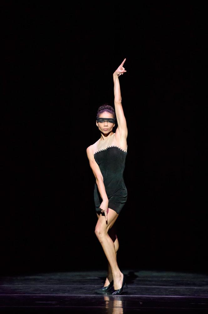 Celine Gittens as Fortuna in <I>Carmina Burana</I>.<br />© Bill Cooper. (Click image for larger version)