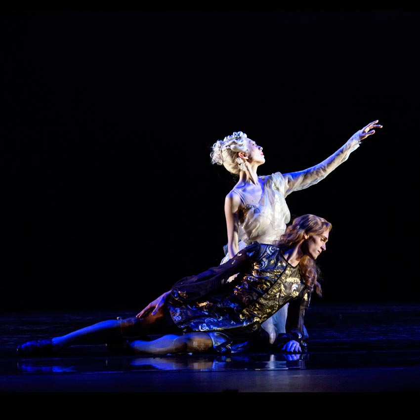 William Bracewell as Le Roi and Yijing Zhang as Selene, la Lune in The King Dances.© Bill Cooper. (Click image for larger version)
