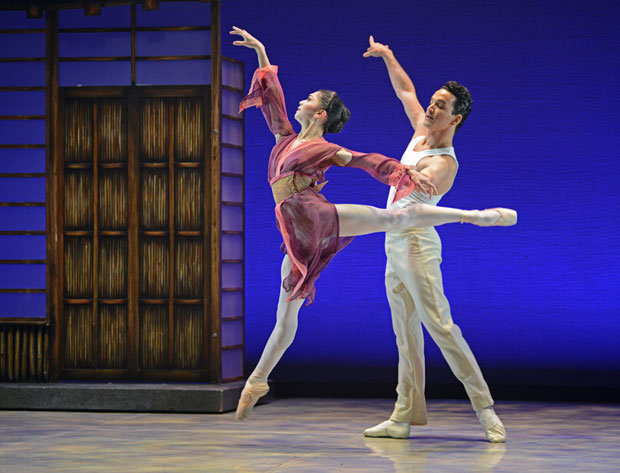 Rachael Gillespie and Javier Torres in <I>Madame Butterfly</I>.<br />© Dave Morgan. (Click image for larger version)