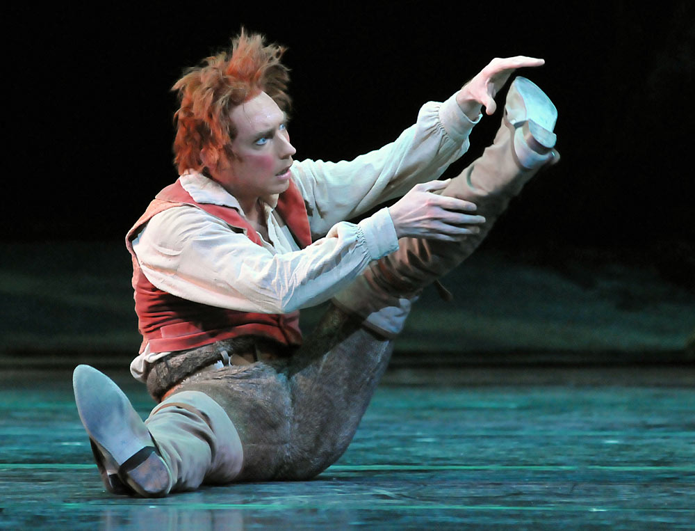 Bennet Gartside in <I>The Dream</I>.<br />© Dave Morgan, courtesy the Royal Opera House. (Click image for larger version)