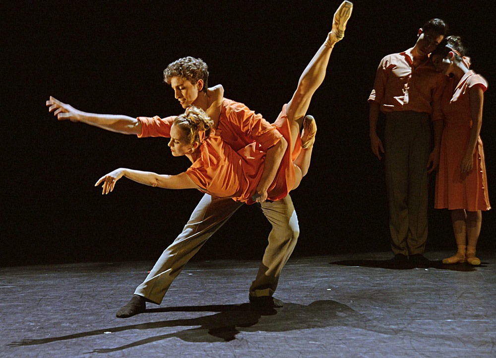Daniele Silingardi and Katja Khaniukova in Max Westwell's <I>Fractured Memory</I>.<br />© Dave Morgan. (Click image for larger version)
