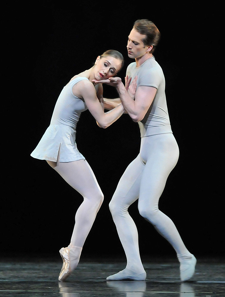 Marianela Nuñez and Nehemiah Kish in Song of the Earth.© Dave Morgan, courtesy the Royal Opera House. (Click image for larger version)