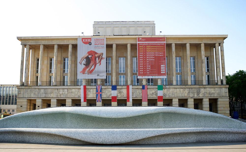 Teatr Wielki in Lodz.© Elliott Franks. (Click image for larger version)