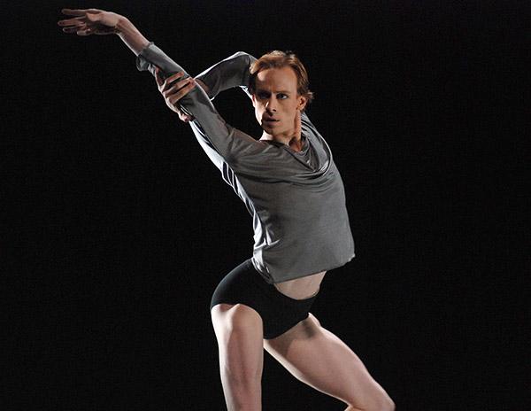 """Edward Watson in Wayne McGregor's <I>Infra</I>, taken in 2008. From a John Ross <a href=""""http://www.ballet.co.uk/gallery/jr_royal_ballet_voluntaries_triple_roh_1108"""">Gallery of 9 <I>Infra</I> images</a>. © <a href=""""http://www.johnrossballetgallery.co.uk/"""">John Ross</a>."""