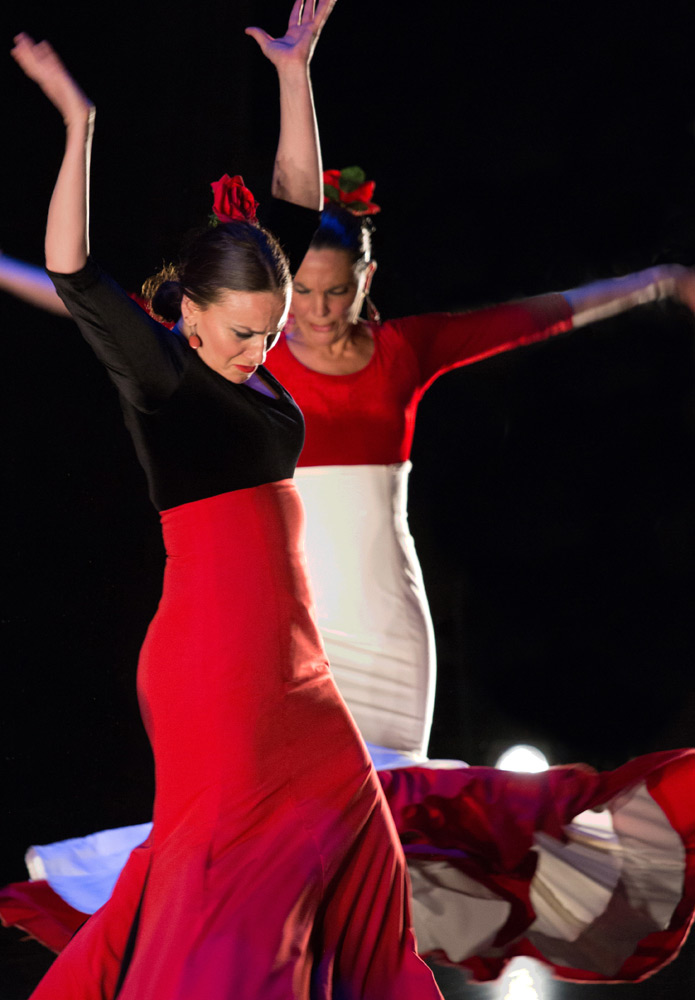 Paco Peña Flamenco Dance Company in <I>Flamencura</I>.<br />© Jeremy Toth. (Click image for larger version)