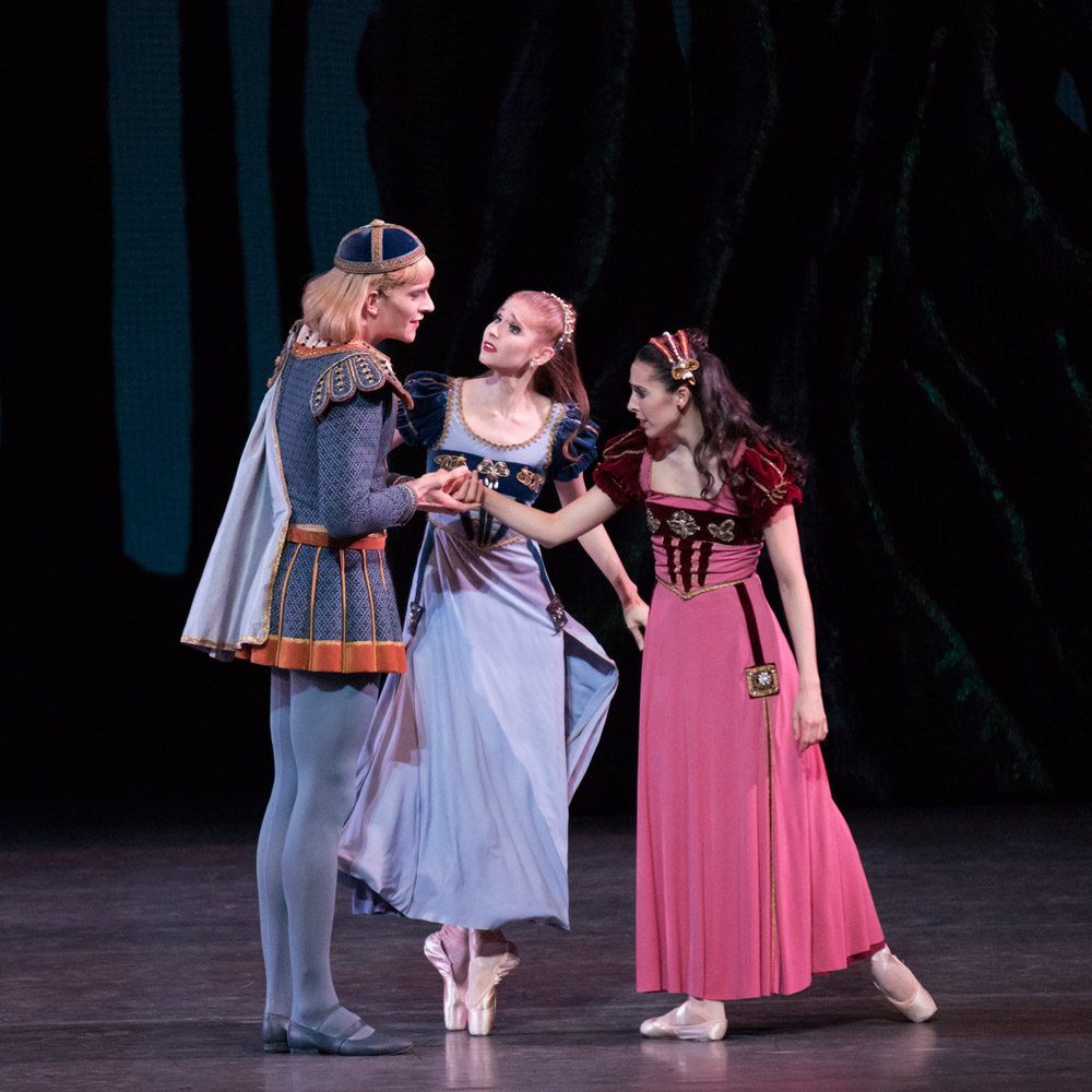 Russell Janzen, Ashley Laracey and Brittany Pollack in <I>A Midsummer Night's Dream</I>.<br />© Paul Kolnik. (Click image for larger version)