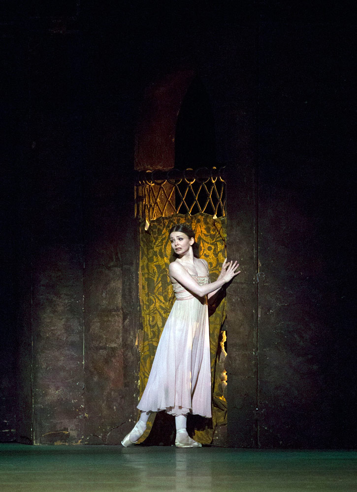 Evgenia Obraztsova in <I>Romeo and Juliet</I>.<br />© Rosalie O'Connor. (Click image for larger version)