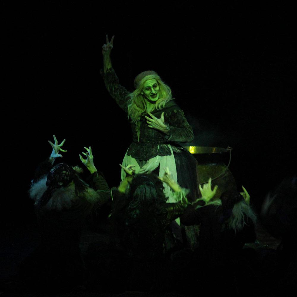 Greg Horsman in Schaufuss' <I>La Sylphide</I>.<br />© Cameron Goerg. (Click image for larger version)
