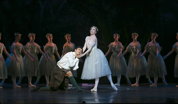 Hao Bin and Clare Morehen in Schaufuss' <I>La Sylphide</I>.<br />© David Kelly. (Click image for larger version)