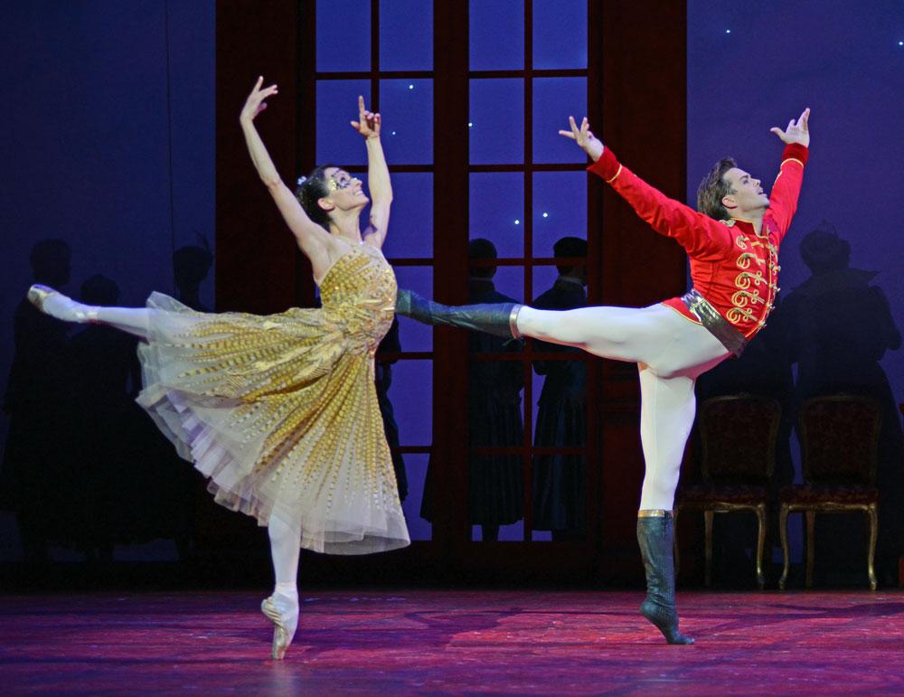 Anna Tsygankova and Matthew Golding in Christopher Wheeldon's Cinderella.© Dave Morgan. (Click image for larger version)