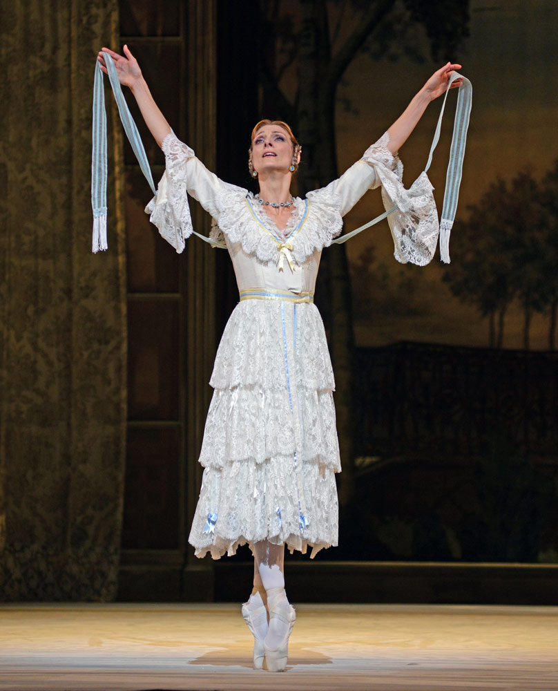 Zenaida Yanowsky in Ashton's A Month in the Country.© Dave Morgan, courtesy the Royal Opera House. (Click image for larger version)
