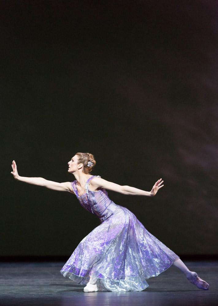 Zenaida Yanowsky in Alexei Ratmansky's 24 Preludes.© Johan Persson, ROH. (Click image for larger version)