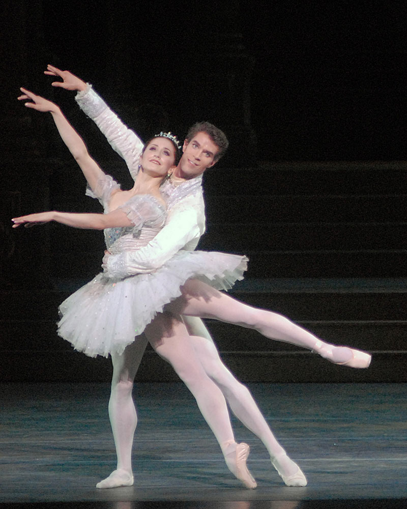 Marianela Nuñez and James Whiteside in Cinderella.© MIRA. (Click image for larger version)