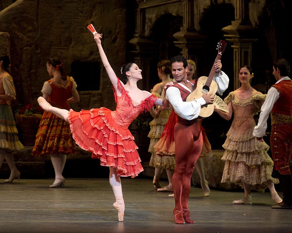 Paloma Herrera and Jose Manuel Carreno in Don Quixote.© Gene Schiavone. (Click image for larger version)