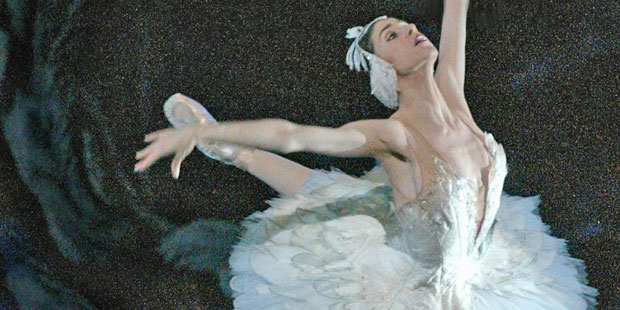 Paloma Herrera in <I>Swan Lake</I>.<br />© Rosalie O'Connor. (Click image for larger version)