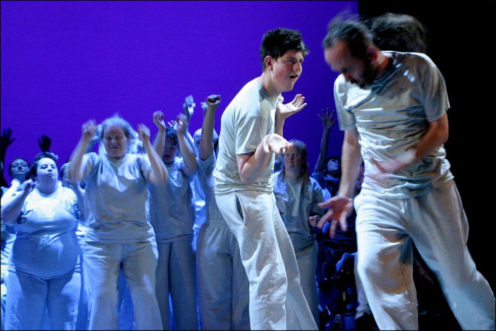 Amici Dance Theatre Company.<br />© Sheila Burnett. (Click image for larger version)