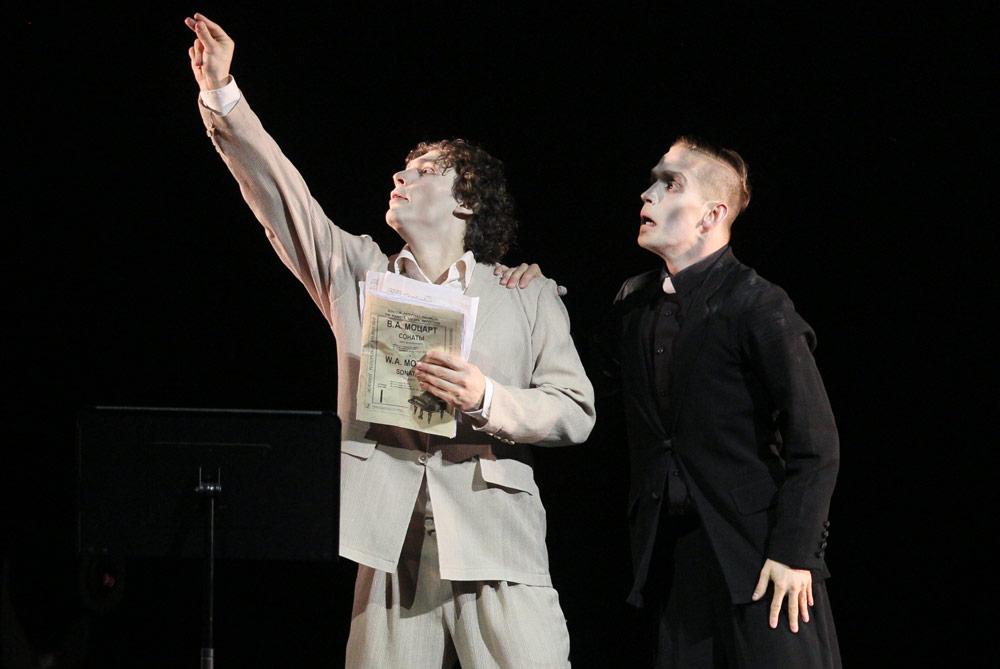 Ivan Vasiliev and Vladimir Varnava in <I>Mozart & Salieri</I>.<br />© Souheil Michael Khoury. (Click image for larger version)