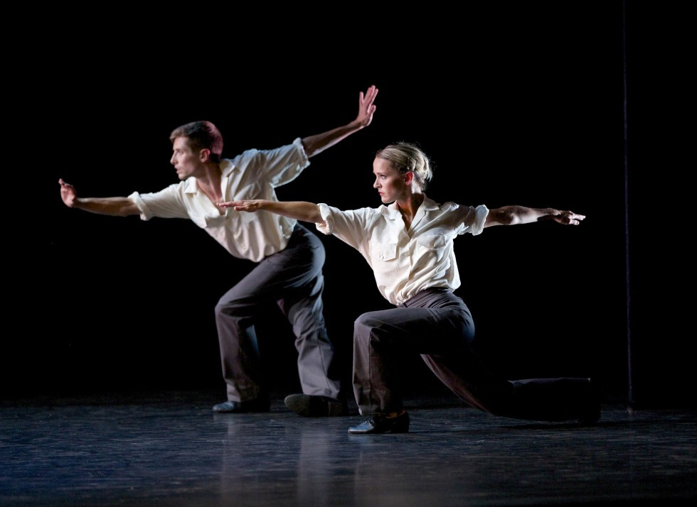 Sophie Laplane and Daniel Davidson in Twyla Tharp's The Fugue.© Andrew Ross. (Click image for larger version)