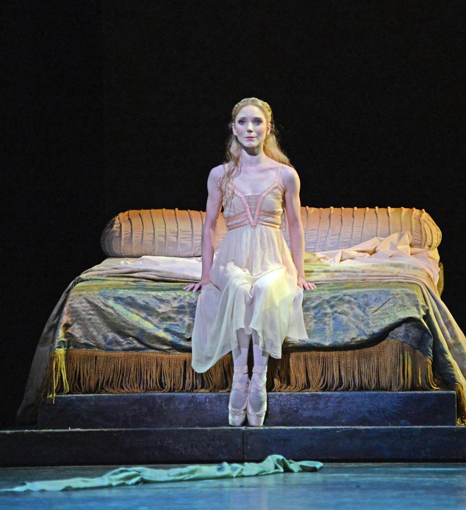 Sarah Lamb in Romeo and Juliet.© Dave Morgan, courtesy the Royal Opera House. (Click image for larger version)
