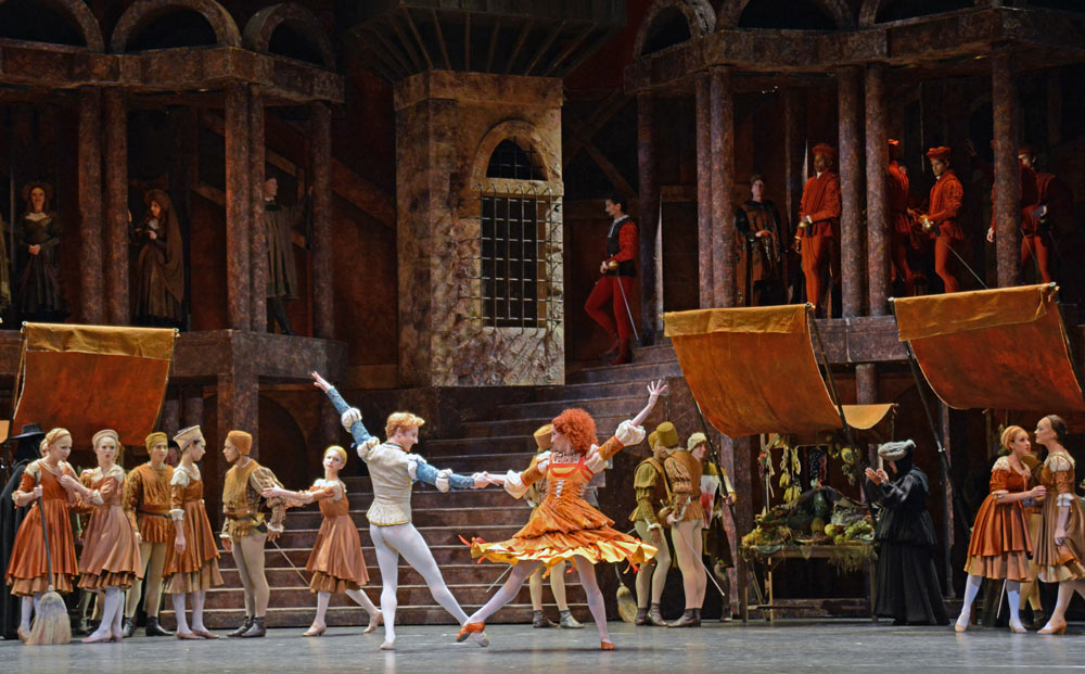 Steven McRae and Itziar Mendizabal in Romeo and Juliet.© Dave Morgan, courtesy the Royal Opera House. (Click image for larger version)