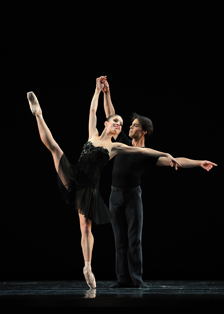 Dores André and Joan Boada in Tomasson's 7 For Eight.© Erik Tomasson. (Click image for larger version)