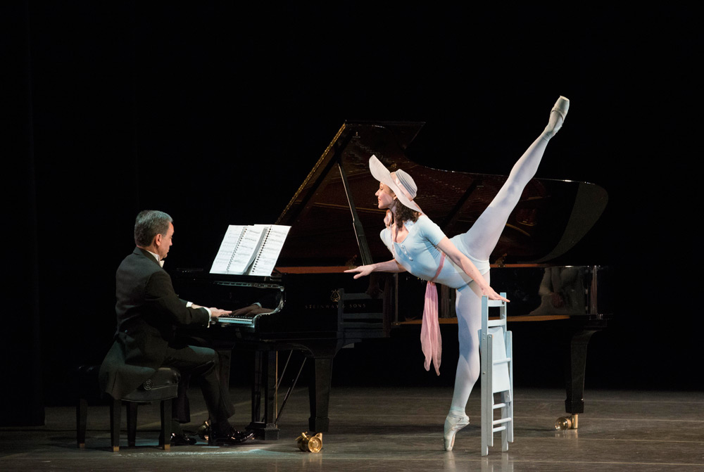 Kathleen Breen Combes and pianist Alex Foaksman in Robbins' <I>The Concert</I>.<br />© Gene Schiavone. (Click image for larger version)