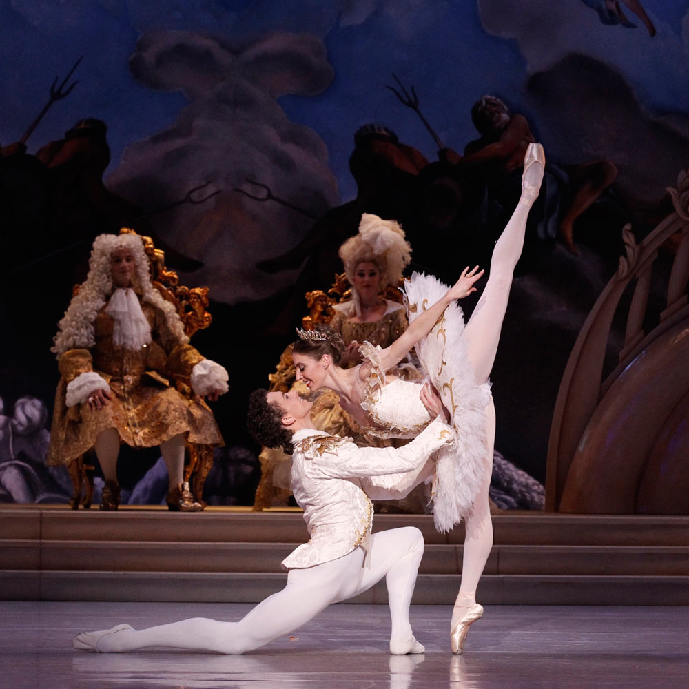 Kevin Jackson and Lana Jones in David McAllister's <I>The Sleeping Beauty</I>.<br />© Jeff Busby. (Click image for larger version)