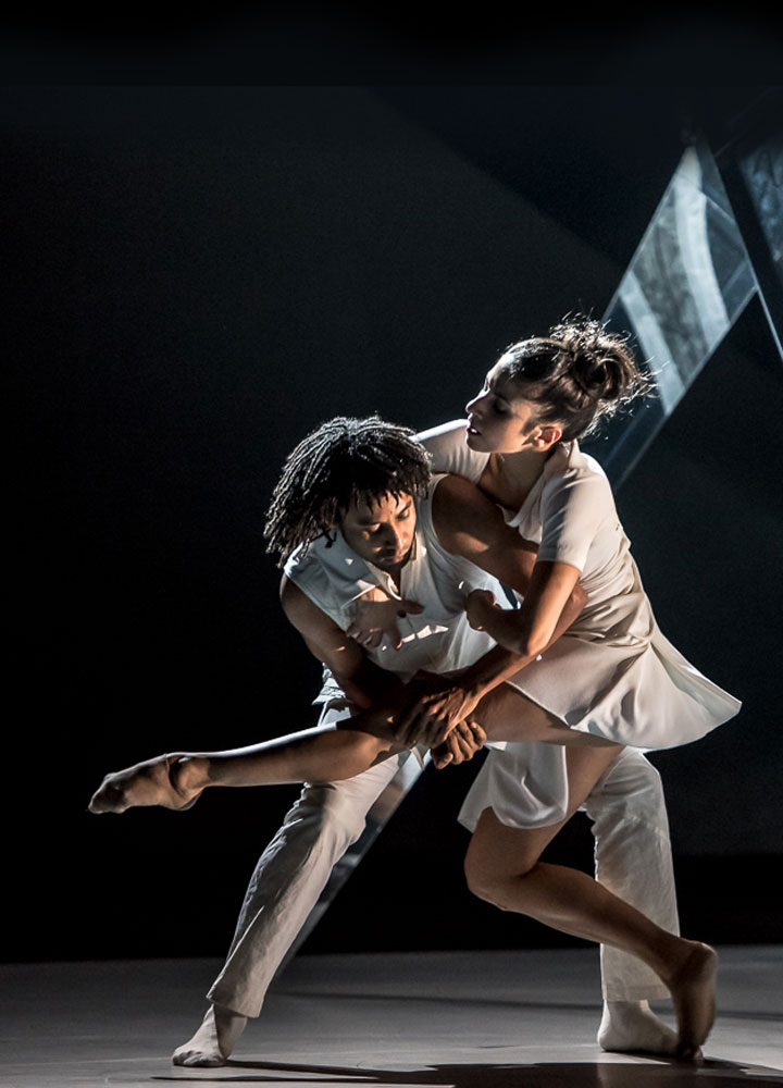 Miguel Altunaga and Brenda Lee Grech in Didy Veldman's <I>The 3 Dancers</I>.<br />© Stephen Wright. (Click image for larger version)