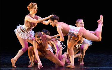 Ballet Memphis in Gabrielle Lamb's I Am A Woman: Moult.© Ari Denison. (Click image for larger version)