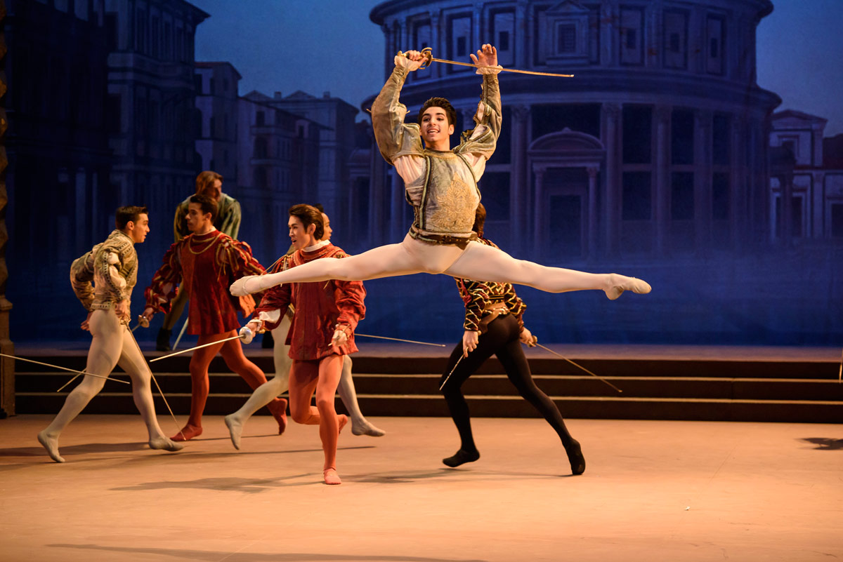 Cesar Corrales in Romeo and Juliet.© Bill Cooper. (Click image for larger version)